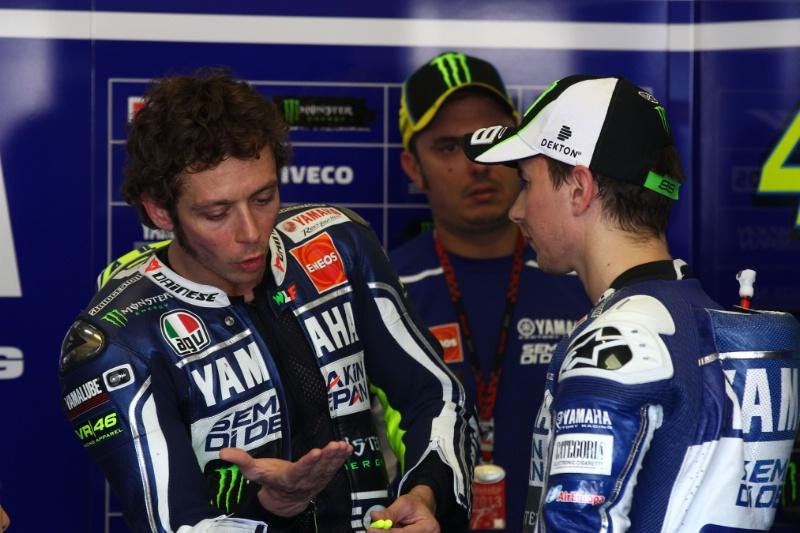 Perselisihan Lorenzo Dan Rossi Membuat Ducati Panik